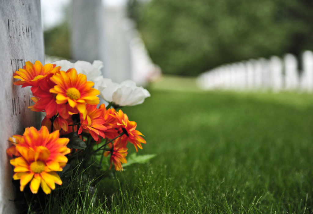 cremation funeral service image of flowers
